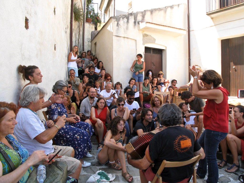 Ambrogio Sparagna e Anna Rita Colaianni - laboratorio di canto popolare